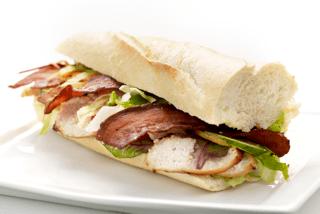 Sandwich m. kylling & bacon