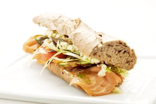 Grov sandwich m. laks & røræg