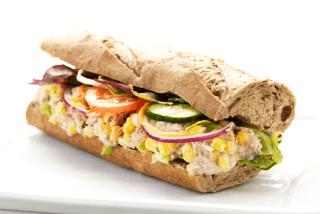 Grov sandwich m. tunsalat